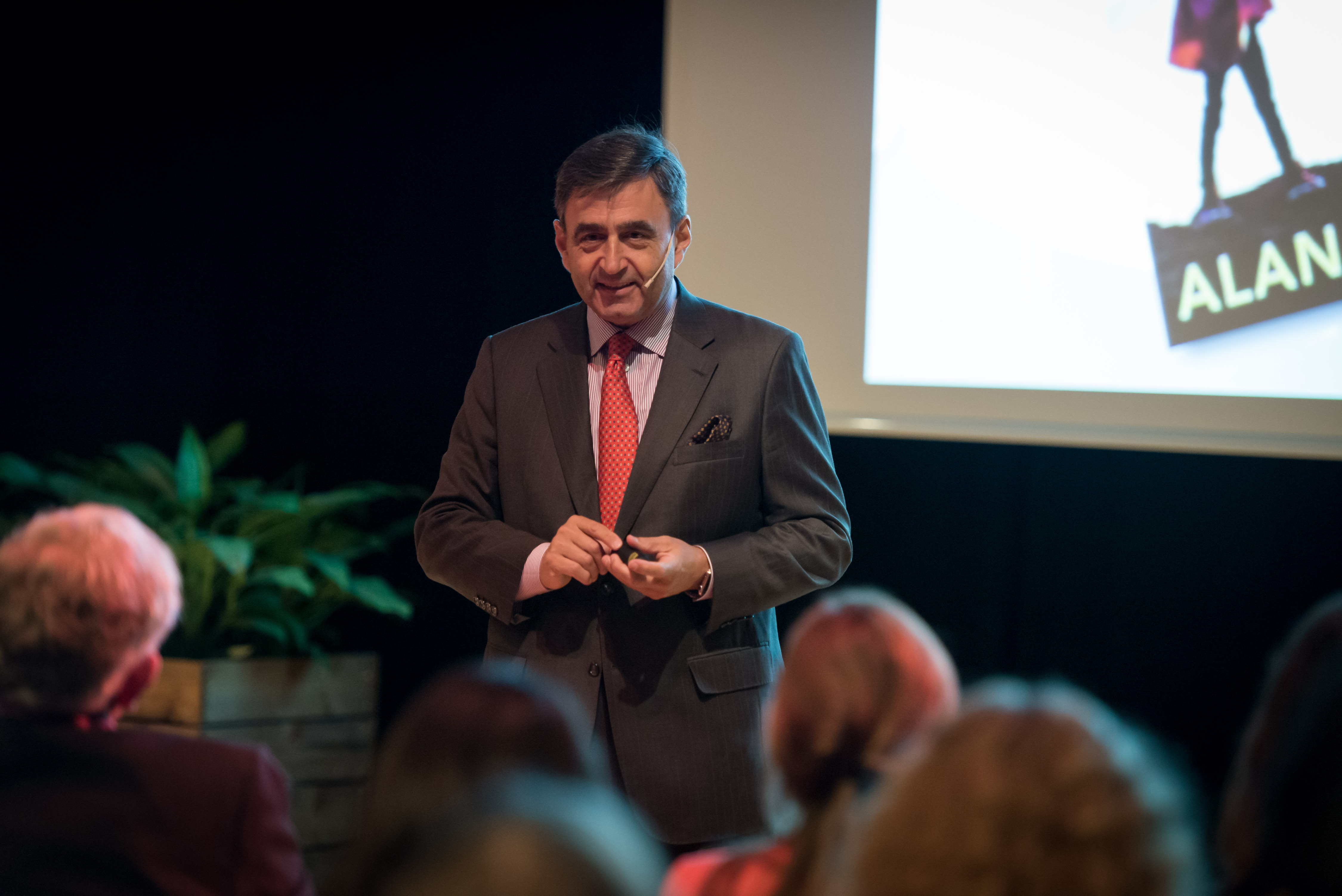 Picture of Eric Mazur during Innovation Room #3