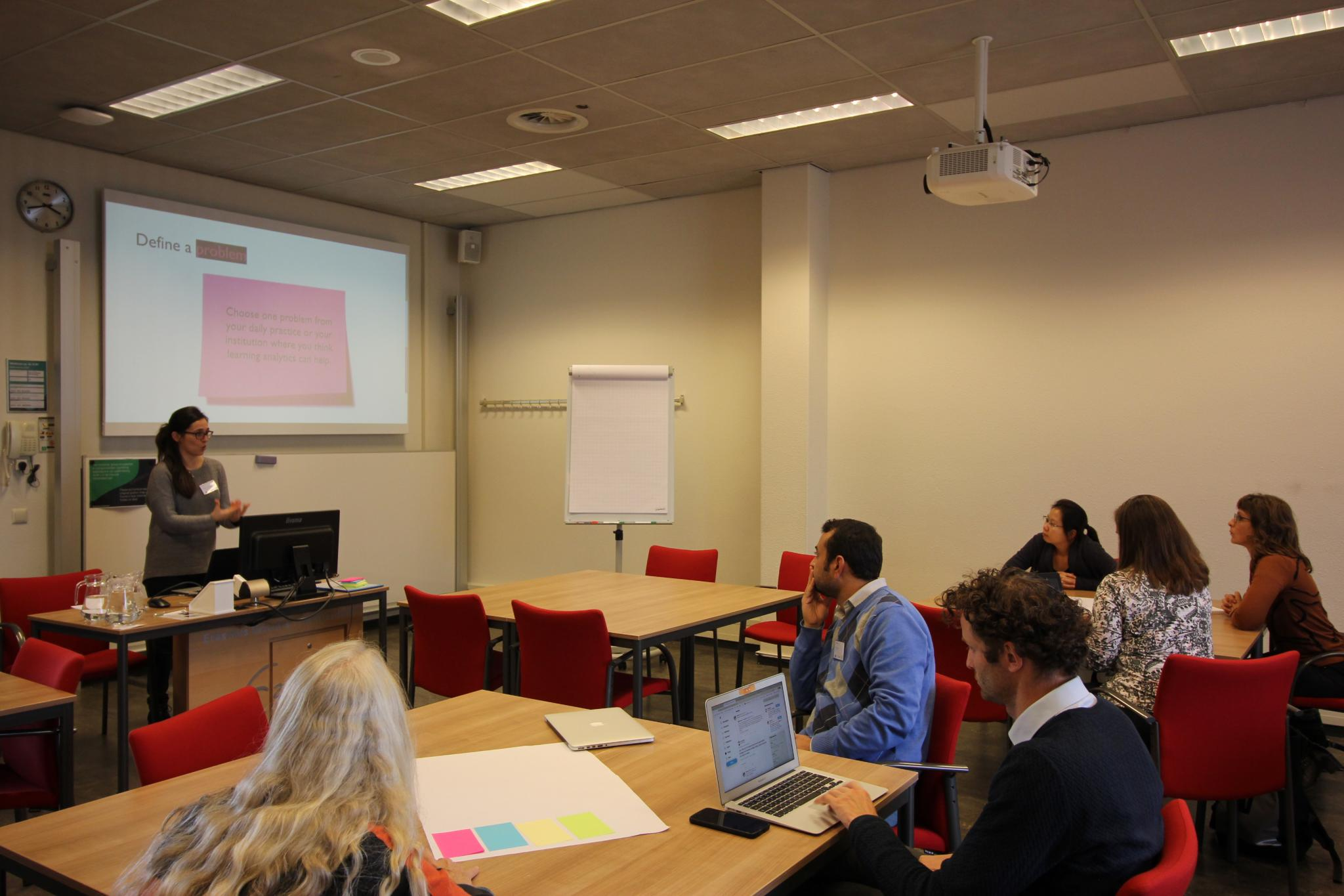 Ioana Jivet in action, in her interactive workshop on designing a learning analytics dashboard